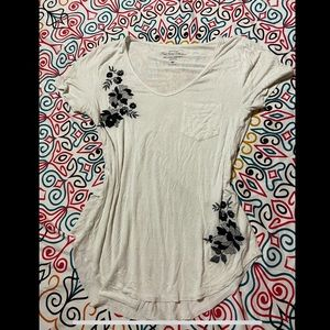 HOLLISTER embroidered soft tee
